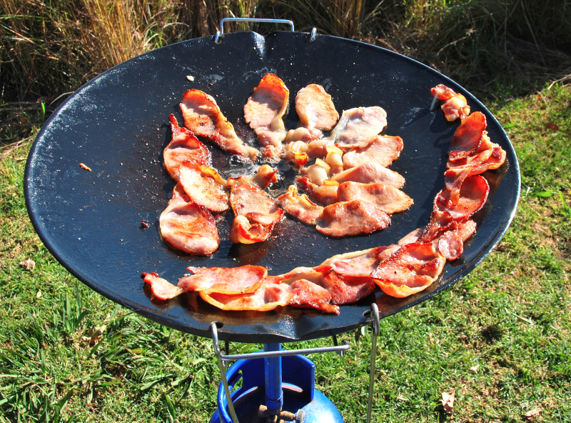 barbecuen op de skottelbraai